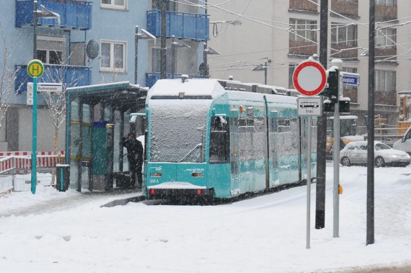 tram-on-ice-2