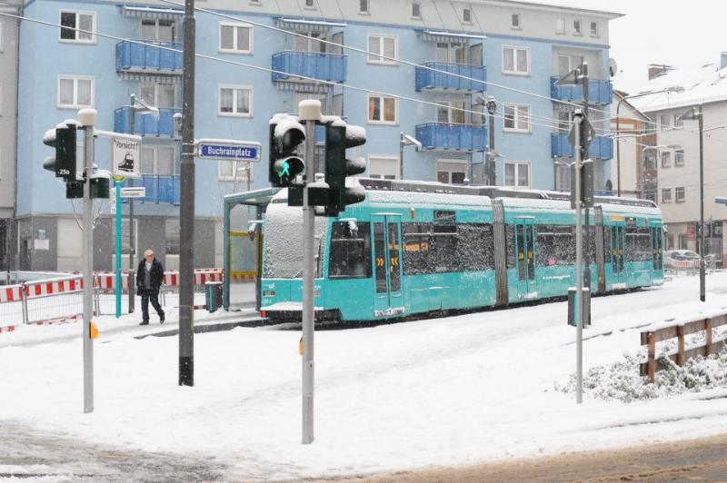 tram-on-ice-3