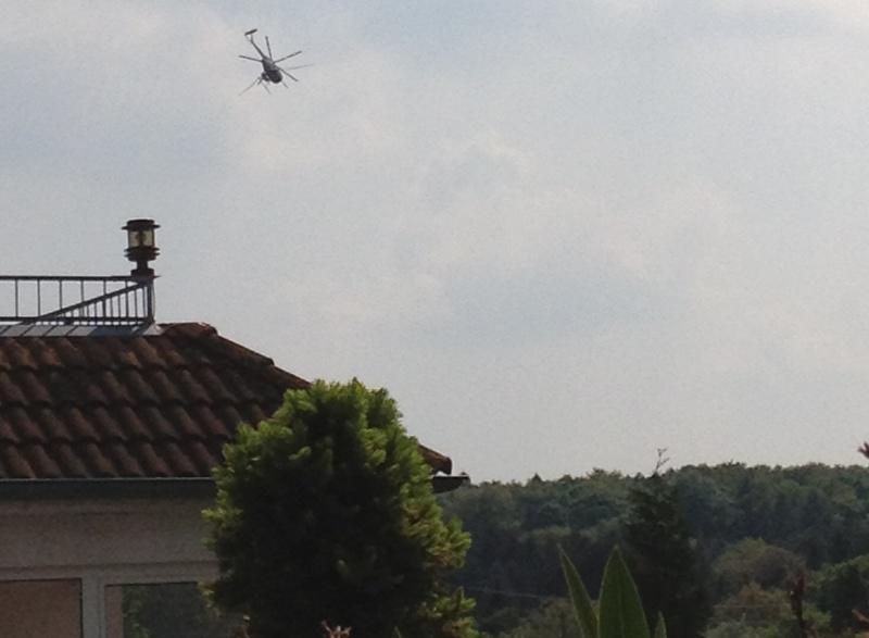 Hubschrauber am 08.05.2013 um 15:30 im Einsatz über dem Stadtwald in Oberrad