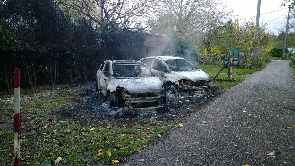 Ausgebrannte Autos II Altebergsgäßchen